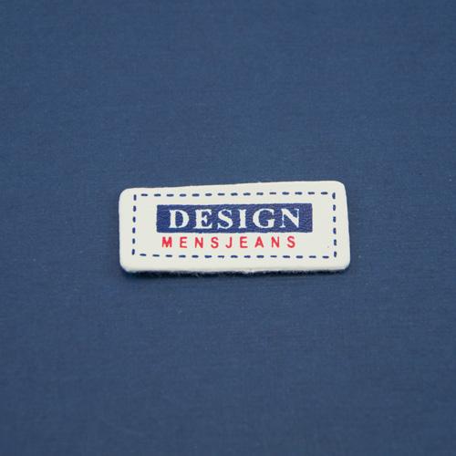 Нашивка маленькая белая с синим DESIGN