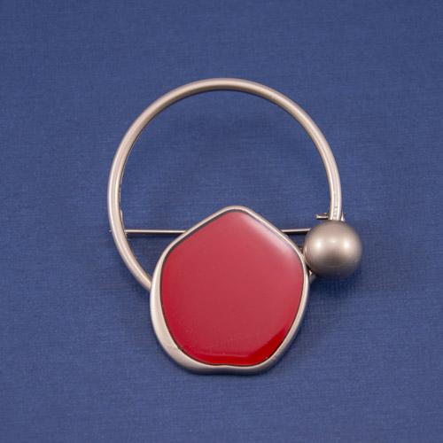 Брошь БРМ-4529-никель+красн;